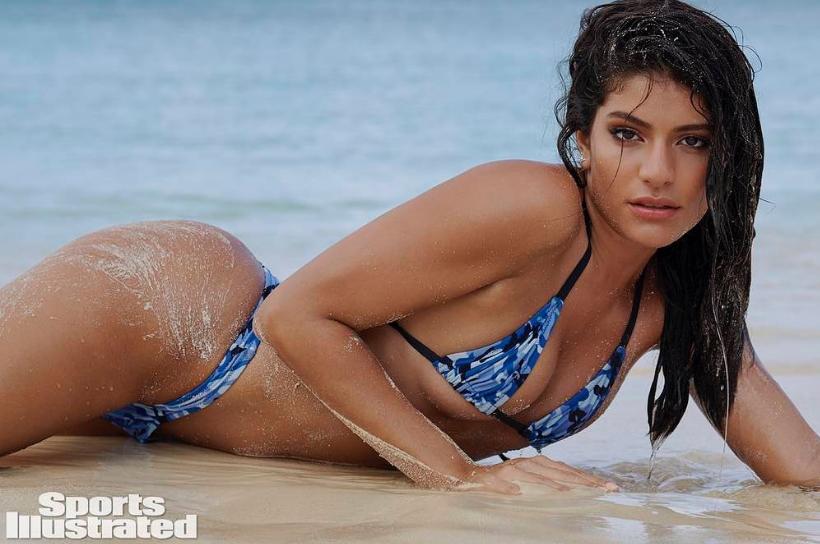 """Manuela Álvarez, una colombiana posando para """"Sports Illustrated"""""""