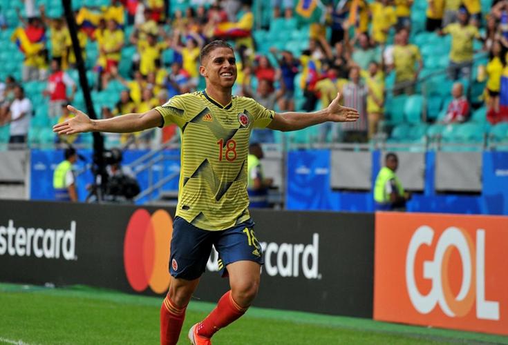 COLOMBIA, con puntaje perfecto clasificada, ganó 1-0 a Paraguay. ARGENTINA venció a Catar 2-0 y se mete a 4os. lo mismo que PERÚ, BRASIL y VENEZUELA que será el rival de Argentina