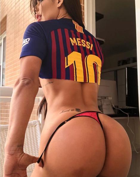 ¡Suzy Cortez se puso una diminuta tanga 'rosa'! para celebrar el cumpleaños 32 de Messi, este 24 de junio
