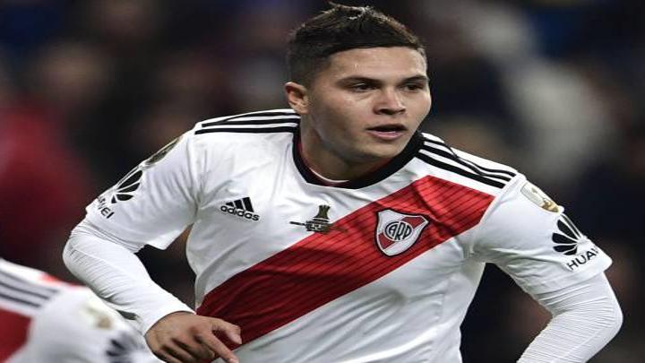 ARGENTINA. El colombiano JUAN FERNANDO QUINTERO hizo el gol que cambió la historia de este siglo