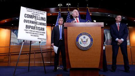 USA. Comité de Inteligencia de la Cámara de Representantes aprueba informe sobre 'impeachment' contra Trump
