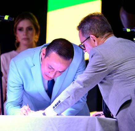 FLORIDABLANCA. En el Cerro del Santísimo se posesionó el Gobernador de Santander 2020-2023.