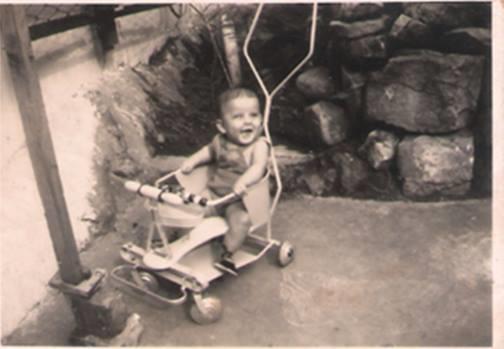 La imagen tiene un atributo ALT vacío; su nombre de archivo es lep-en-san-v-icente-con-su-primer-coche.png