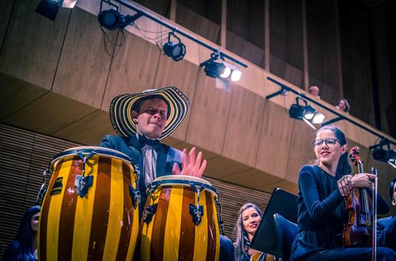 El colombiano Juan Sebastián Sánchez gana beca, en la universidad de música, más prestigiosa del mundo