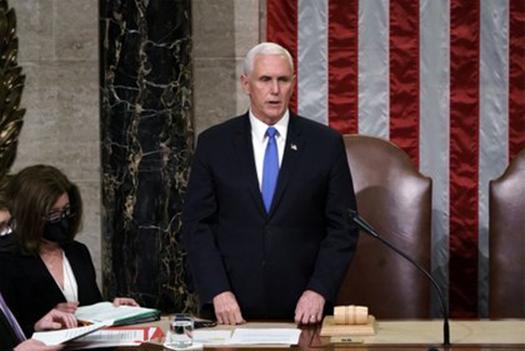 EEUU Mike USA. El vicepresidente Pence rechazó la idea de invocar la 25ª enmienda para destituir a Trump