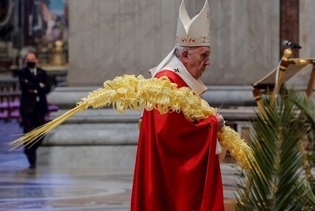 """""""Volvamos a comenzar desde el Asombro"""": Papa Francisco"""
