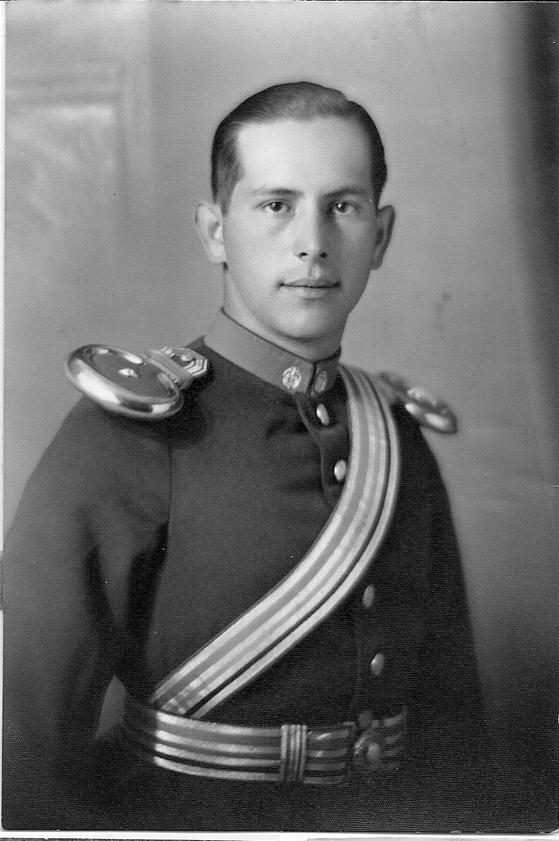 Mayor MARIO SERPA CUESTO, héroe de la caballería colombiana, caído en acción el  9 de abril de 1948.