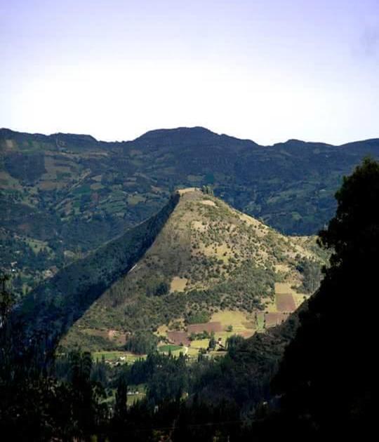 PIRÁMIDE DEL SOL, Sogamoso, Boyacá, Colombia